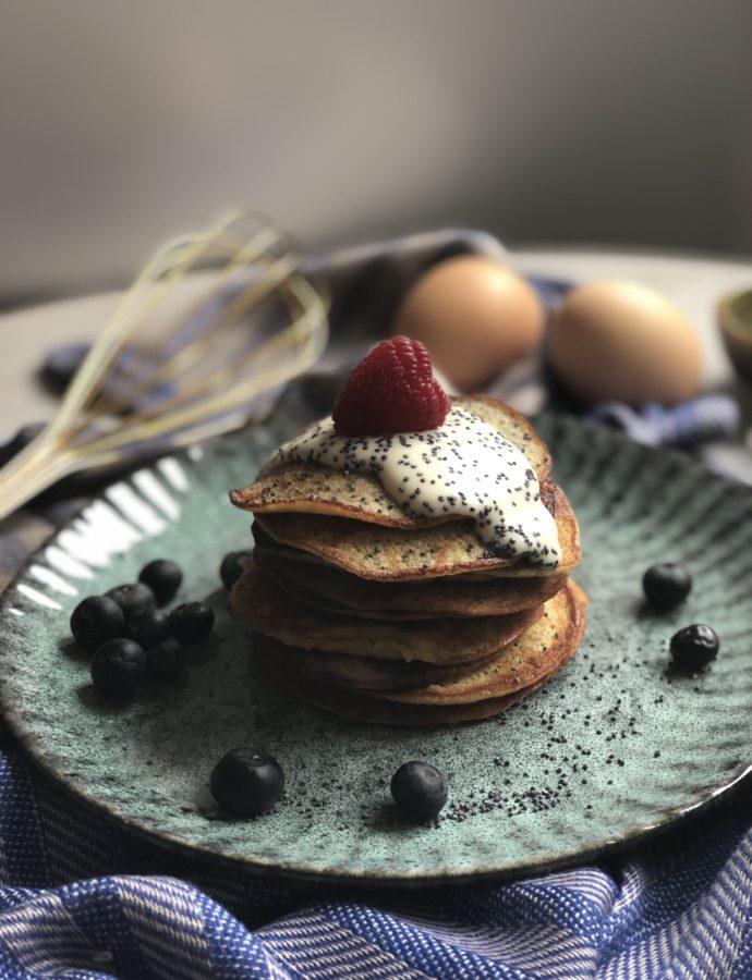 """Poppy Banana"" (low-carb-pancake with banana and egg)"