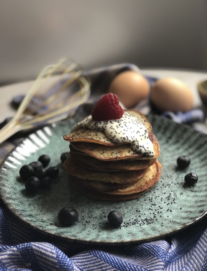 """Poppy Banana"" (low-carb-pancake with banana and egg)"